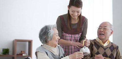 Giúp việc gia đình, chăm sóc em bé, chăm sóc người già, chăm sóc người bệnh Uy Tín