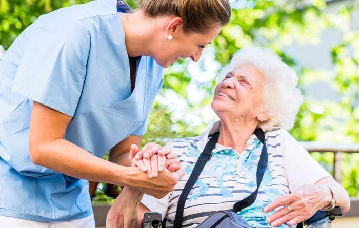 Tìm người chăm người già, thuê giúp việc trông người già tại Hà Nội