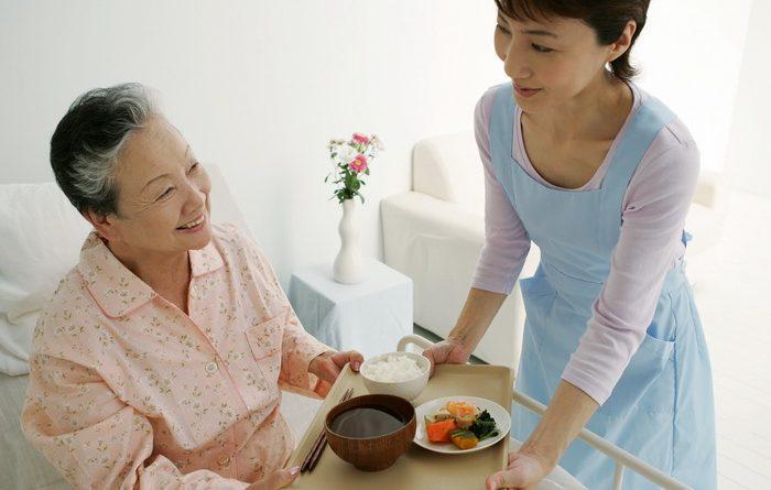 Trung tâm giới thiệu người giúp việc chăm người già uy tín tại Hà Nội